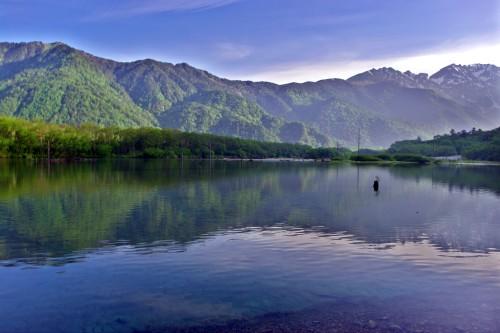 大正池から穂高連峰を望む