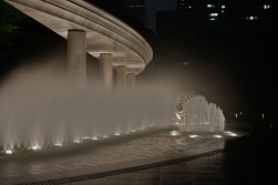 皇居の側の和田倉門噴水公園
